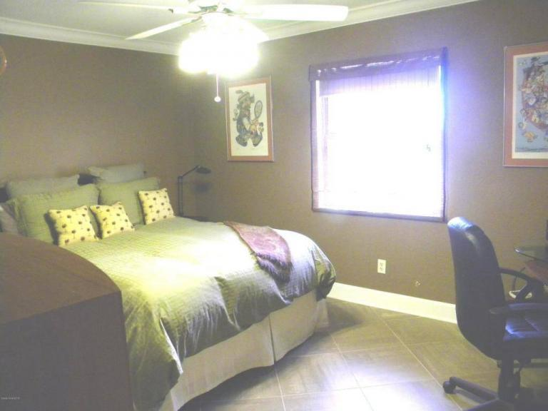 Home Photography blurred bedroom photo