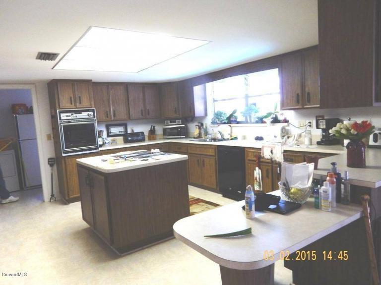 Home Photography cluttered kitchen
